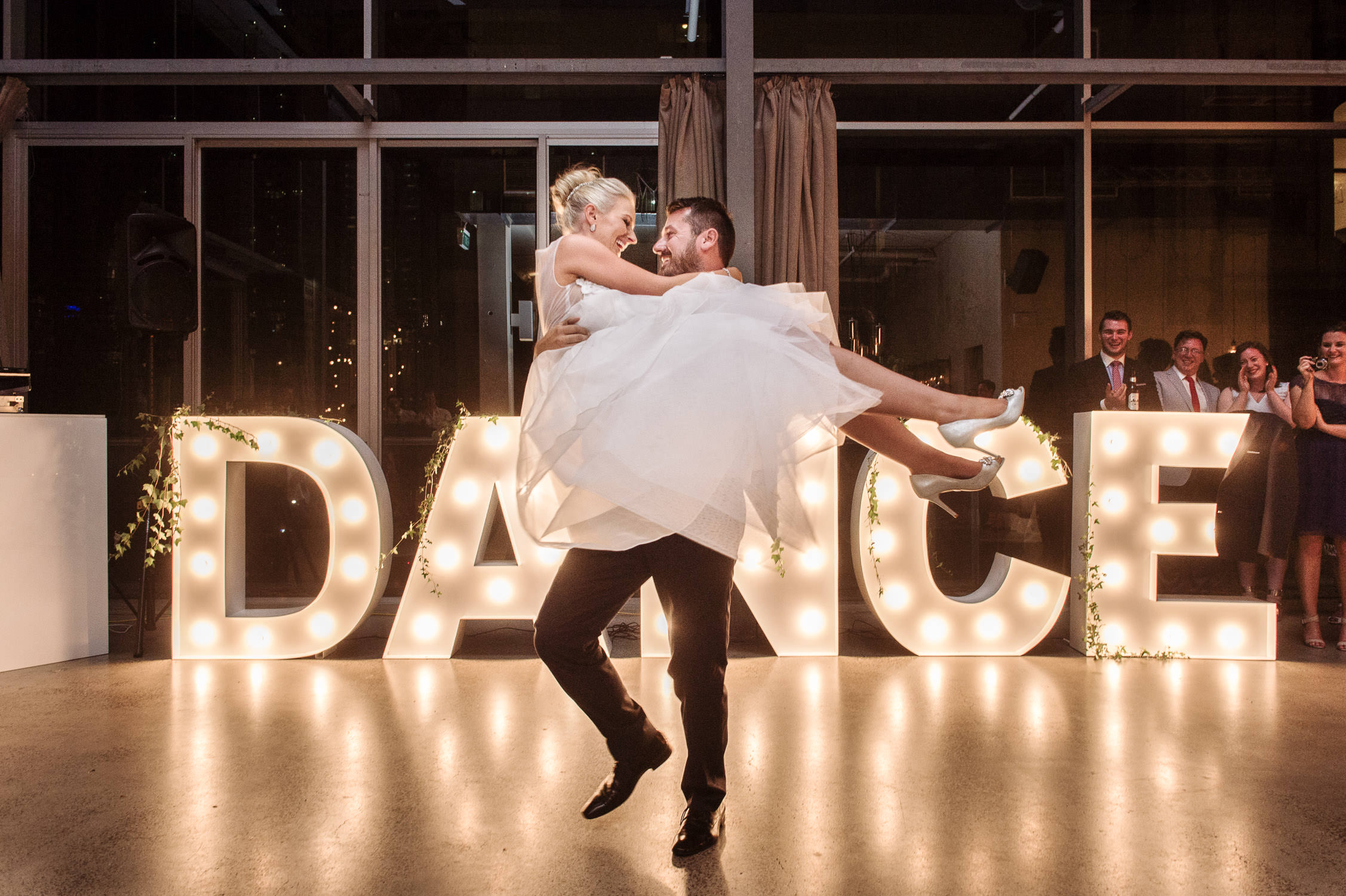 Alto-Dance-Sign-Wedding-Photo-Melbourne-001